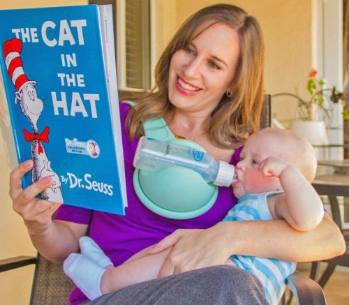 beebo-a-hands-free-baby-bottle-holder-that-you-strap-to-your-chest-0